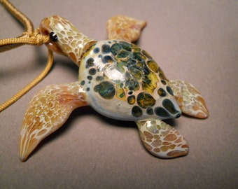 Flat Back // Endangered spieces // Sea Turtle Series pendant necklace // two sizes