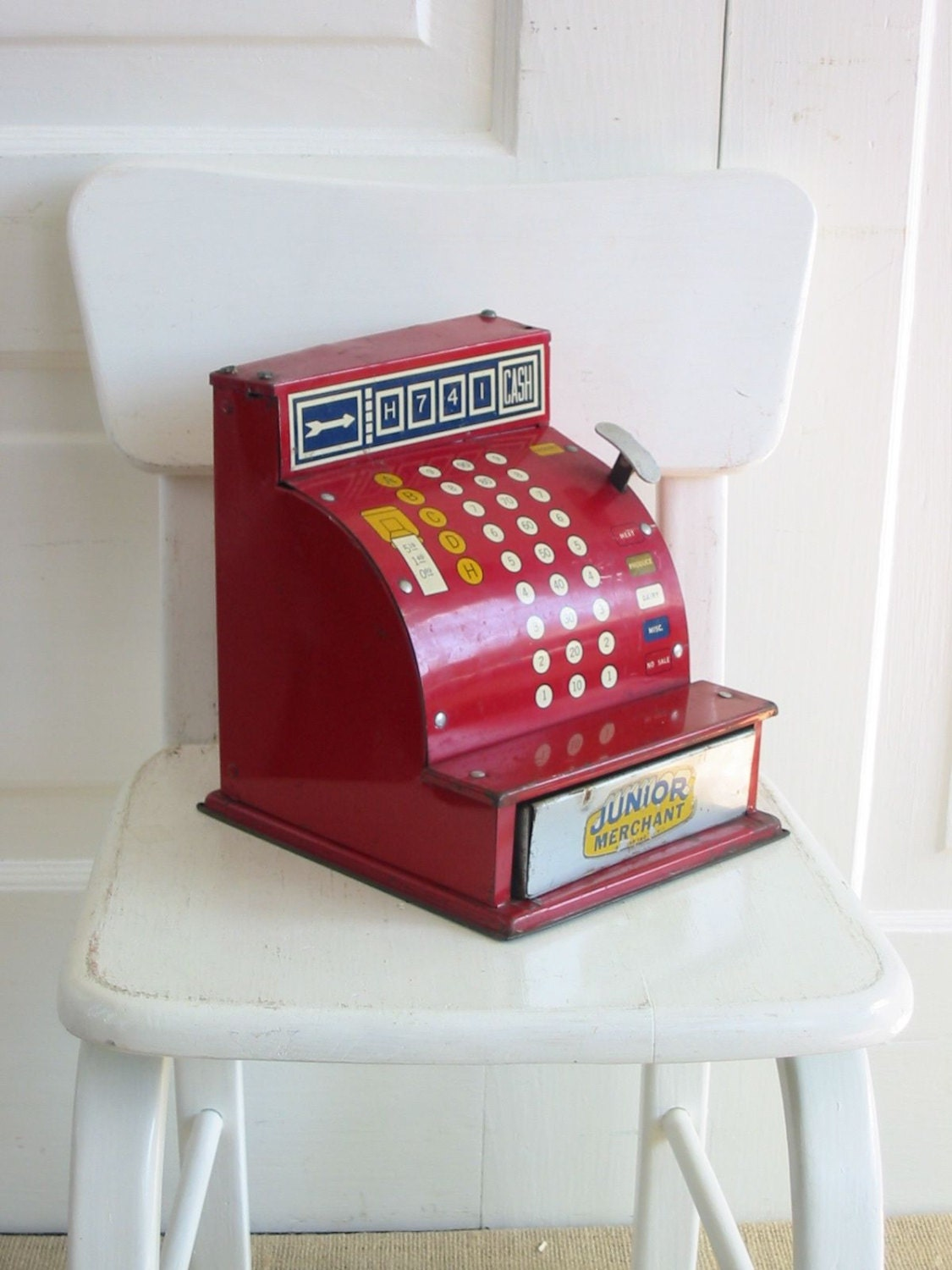 Toy Cash Register : Vintage metal toy cash register children grocery store red