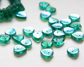 50pcs Czech Glass Leaves -Green AB 9mm (PG272001)