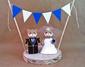 College Mascot Wedding Cake Topper - University of Kentucky Wildcats with Bunting Banner