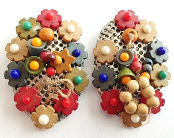 Two Vintage Czech Wood Bead Flower Dress Clips Czechoslovakia - For Repair or Parts TLC