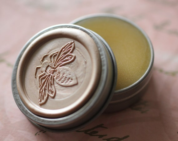 Lyra Natural Solid Perfume Bee Tin - Jasmine and Ylang Ylang Combine with Vanilla and Amber Fragrance Notes - Sweet and feminine - Botanical