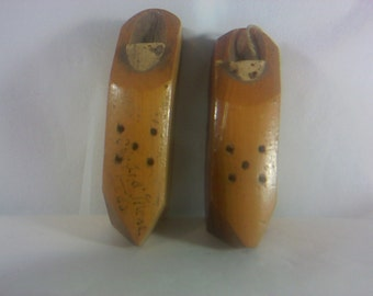 FREE SHIPPING Salt and Pepper shakers wooden shoes wood vintage