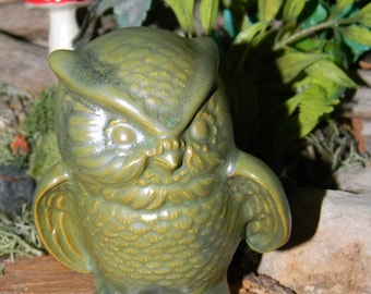 Green  Ceramic Owl - Vintage Style Great detail Ready to ship