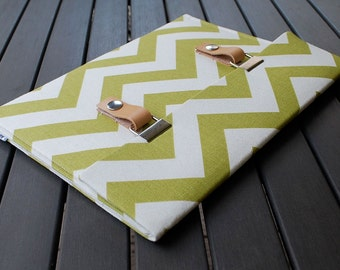 Laptop Sleeve 11 MacBook Air Case / Macbook 12 Cover - Chevron Green Natural