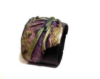 Leather cuff bracelet. Bright leather bracelet. Leather jewelry