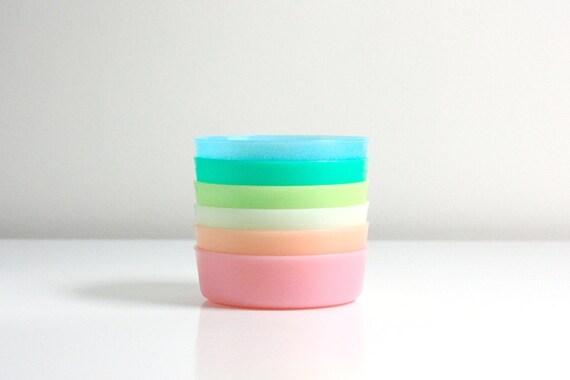 Vintage Pastel Tupperware Bowls - Little Wonders