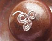 Triskele - Tripple Spiral - Nose Ring 22 Gauge Golden or Silver