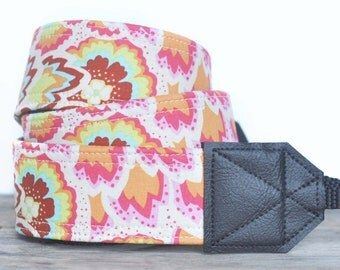 MADE TO ORDER - Camera Strap - Peacock Feathers Blush