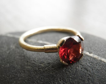 Engagement Gold Ring, Red Minimalist Ring, Vintage Inspired, Classic genuine Garnet Ring, 14K Gold Ring, Statement Ring, Bridal Jewelry