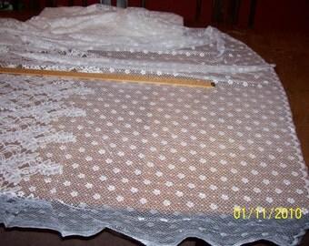 Vintage  White  Bridal Lace 5.5 yds ( 978)