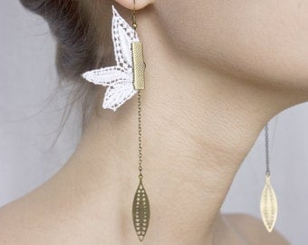 Lace earrings - PENDULUM - Black, white or mint lace with bronze