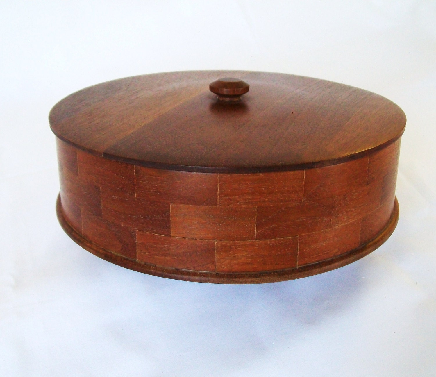 Vintage round wooden box with lid wood bowl basket by for Circular wooden box