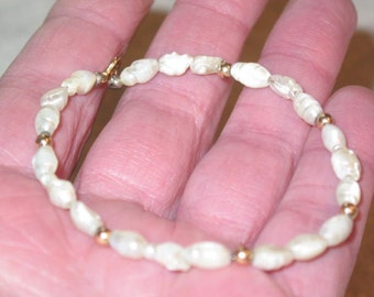 14k gold beads & fresh water pearls dainty vintage Pearl Bracelet