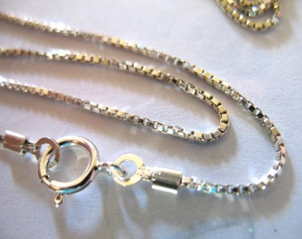 Sterling Silver BOX CHAIN, 0.8 mm , Finished Necklace Chain, Wholesale Jewelry Supplies Findings / d868.30 hp solo