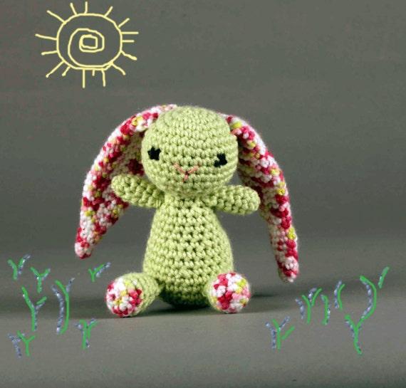 Amigurumi Floppy Ear Bunny : Floppy-eared Amigurumi Baby Bunny