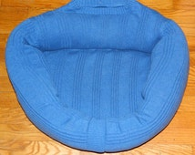 CAT Bed DOG Bed Pet BED Handmade Upcycled Sweater Gift CrabbyCats, Crabby Cats 0020 Blue