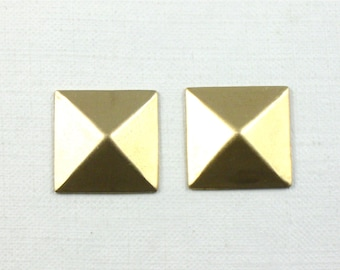 12 gold faceted SQUARE jewelry embellishments. 14mm (S50nh). Please read description