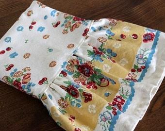 Floral Ruffled Tea Towel in a Retro Print