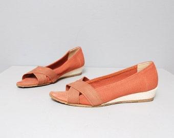 SALE - 1980s Skimmers - Salmon Pink Wedge Heel Slip Ons - Size 7 - 7.5