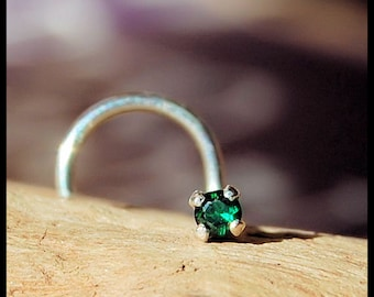 Emerald Nose Stud / Sterling Nose Ring / Green Nose Jewelry / Unique Nose Bones / Tiny Nose Stud / Little Gemstone Nose Ring / - CUSTOMIZE