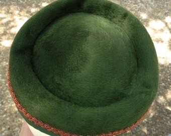 Jackie O - Green Pillbox hat