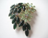 Vintage Green Floral Brooch Frosted Glass Vintage Jewelry - VintageJewelryMeadow