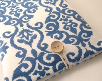 Blue Macbook Air or Pro 13 inch Retina Laptop Case, Padded Sleeve, Portable Computer Gadget Cover, Indigo ikat Damask Cotton Canvas Sac Bag
