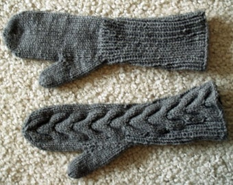 Bella Swan Cabled Mittens