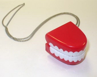 Chatter Teeth Toy Necklace