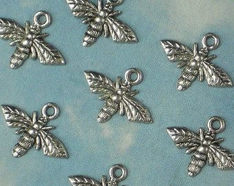 16 Honey BEE Charms 17mm x 14mm Antiqued Silver (P797)