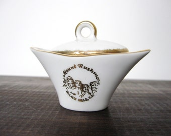 Mount Rushmore Souvenir Dish Black Hills, S.D., White Ceramic Gold Rim