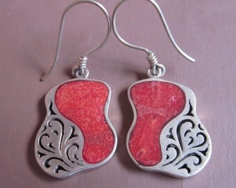 Outstanding sterling silver coral dangle earrings / 1.6 inch long / Bali Handmade jewelry / silver 925
