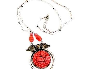 Art Deco Coral Glass Flower Necklace