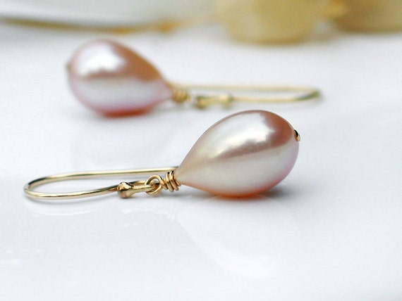 Teardrop Pearl Earrings - Pink Mauve Champagne Freshwater Teardrop Pearls in 14k Gold Filled - June Birthstone - Girl with Pearls Lilac Gold