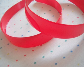 """Extra Wide Red Plastic Headbands, 1"""" Wide (2)"""