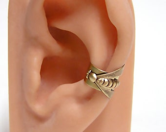 FIRE FLY Ear Cuff