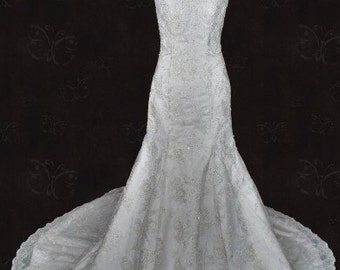 Ready to Ship Size 4 Vintage Style Lace Wedding Gown