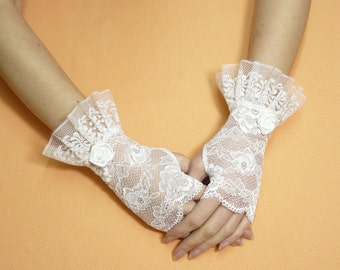 White Costume Lace Gloves with Ruffle, Regency Wedding Armwarmers, Belly Dance, Romantic, Aristocrat Arm Covers, Wristlets