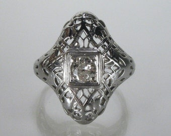 Antique Diamond Ring - Old European Cut Diamond Filligree Ring - Engagement Ring - 0.16 Carats