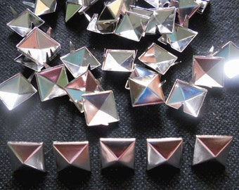 100 pcs  Bright  Silver Tone Pyramid Stud spot spike for leather craft - size 13 mm
