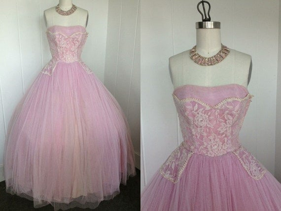 1950s Vintage Pink Tulle Prom Dress With Lace Bodice And Shelf