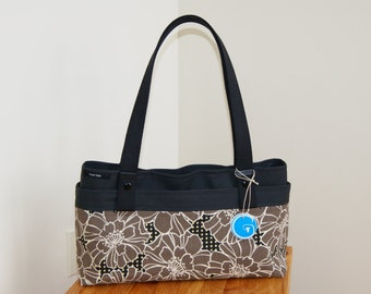 CLEARANCE- 30% off Contemporary Cameleon Purse- 3 purses in one
