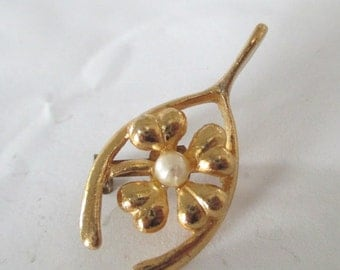 Wishbone Shamrock Pearl Pin Brooch Four Leaf Clover St Patricks Day