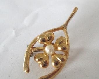 Wishbone Shamrock Pearl Pin Brooch Four Leaf Clover St Patricks Day