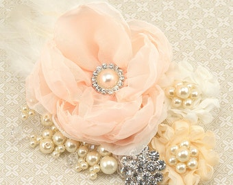 Hair Clip, Peach, Blush, Ivory, Fascinator, Elegant Wedding, Vintage Style, Feather Clip, Bridal, Maid of Honor, Feathers, Crystals, Pearls
