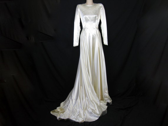 Cream Wedding Gown: 1940's Cream Satin Beaded Wedding Gown. Pearl By Cricketcapers