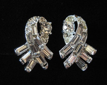 Clear Rhinestone Ribbon Style Earrings