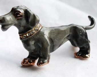 Vintage 1950s Dog Brooch // 50s Grey Dachshund with Rhinestone Collar // Enamelled Gold Plated // NOS