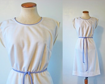 1970s Day Dress High Waist Boho Belted White Lavender Cap Sleeves Street Fest Vintage 70s Knee Midi Summer Elastic Waist Picnic S Small